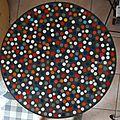 Plateau de table béton et pastilles