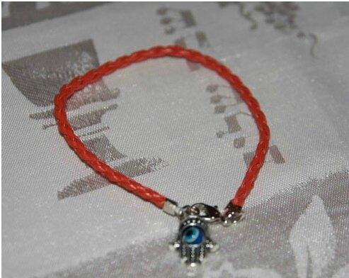 Bracelet en fil rouge du Medium Marabout voyant Sorcier Africain ASSOU