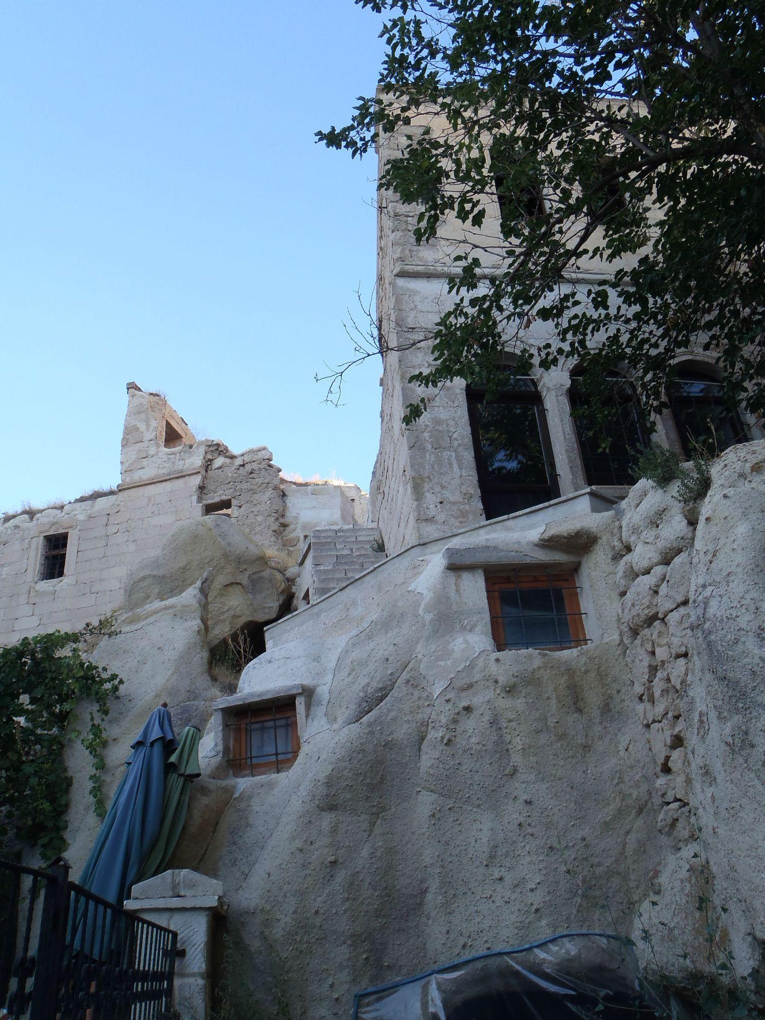 turquie : ortehisar facade arriere entre les cheminées