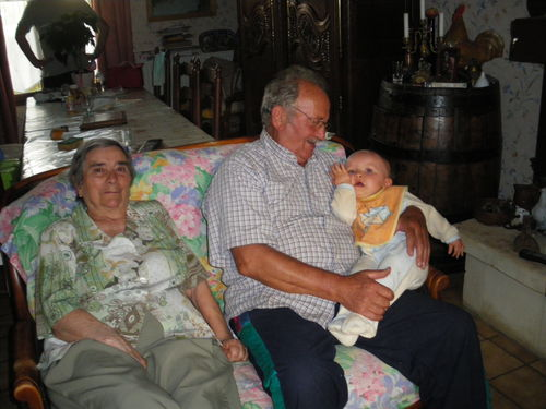 Louka et ses arrière grands-parents