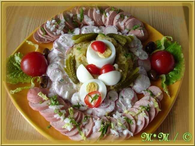 Salade pommes de terre, salade de radis et cervelas