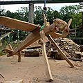 Un avion en bois