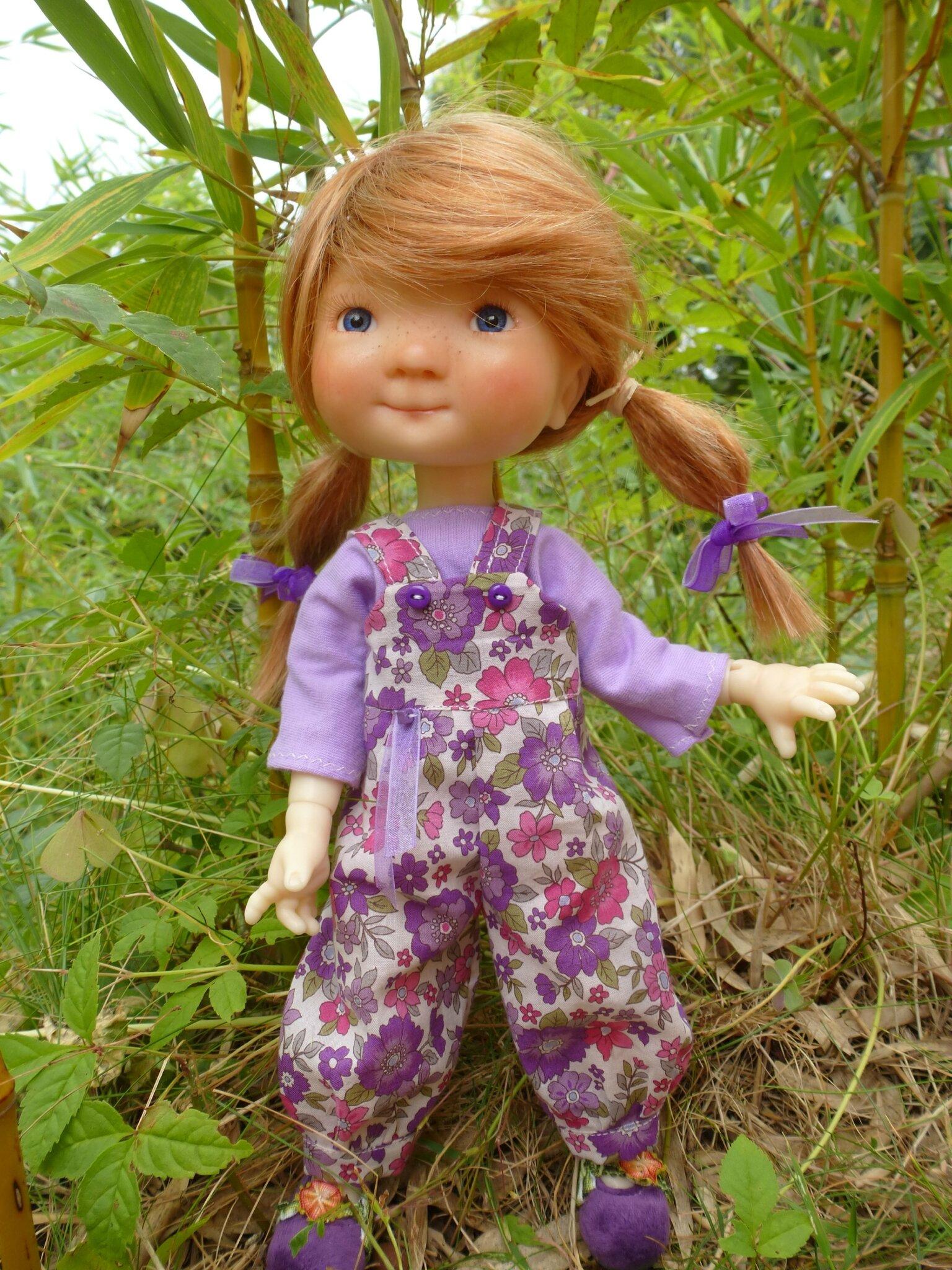 Salopette à fleurs et t-shirt pour Patti, mini Saffi 28 cm, plus disponible ( peut être refait)