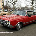 Oldsmobile cutlass 2-door convertible de 1965 (Retrorencard avril 2013) 01