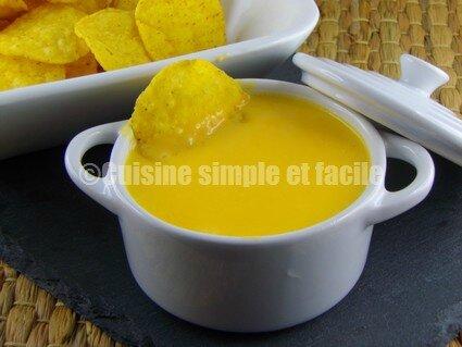 sauce cheddar pour nachos cuisine simple et facile. Black Bedroom Furniture Sets. Home Design Ideas