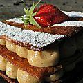Millefeuille pistache et <b>fraises</b> gariguettes de <b>Plougastel</b>: un sérieux défi aux lichous!