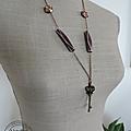 Petite série de colliers : sautoirs montés sur chaînes