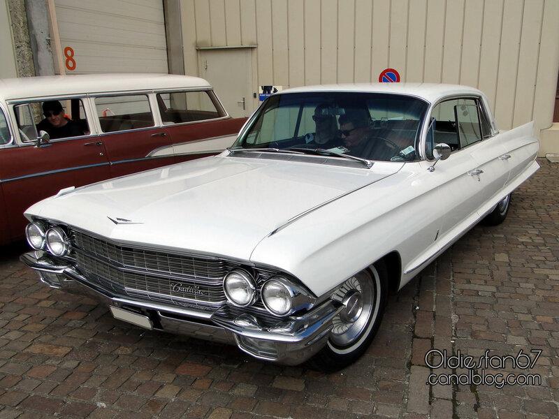 cadillac-60-special-fleetwood-1962-01