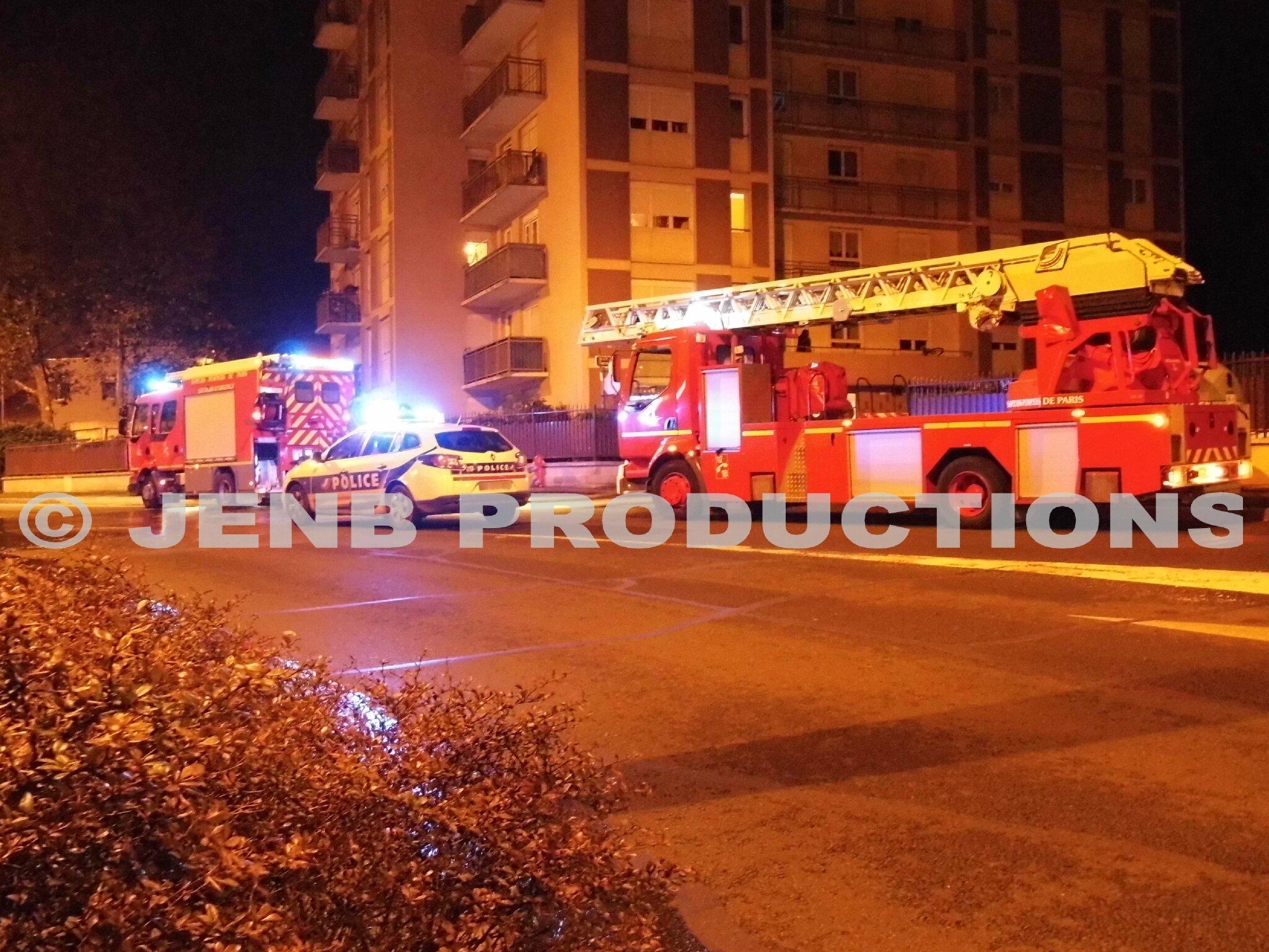 2013 10 30 feu de voiture Noisy-le-Sec © JENB Productions (9b)