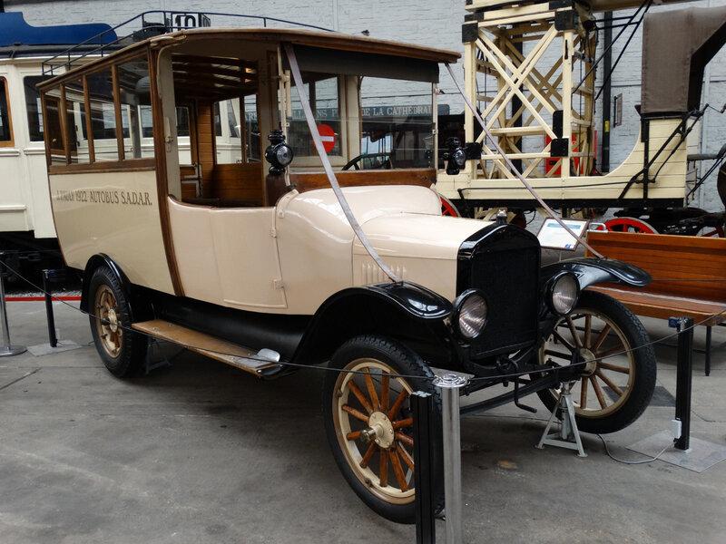 FORD Model TT autobus ouvert SADAR dit 1922 J