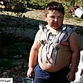 طفل كرواتي يجذب المعادن بجسمه شاهد الفيديو المرافق