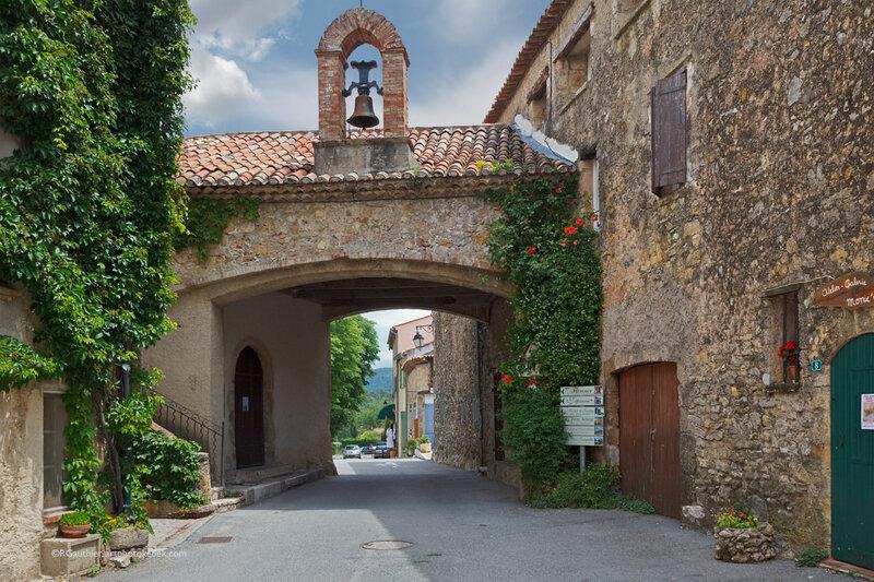 village-tourtour1