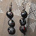 Perle grise,noir et rouge