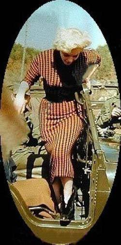 1954-02-18-korea-2nd_division-wool_dress-033-1