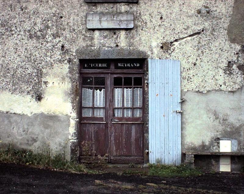 porte à Dauzat-sur-Vodable, fermeture définitive
