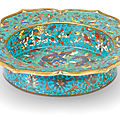 A <b>cloisonné</b> enamel 'dragon and phoenix' lobed basin, 17th century