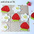 Défi des sc and more n°274 :la fraise ! ici un petit jeu de morpion fleur contre fraise et une fraise en crazy loom...