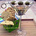 Cocktail dry martini & sablés au parmesan et olives vertes farcies