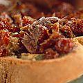 Surprendre ses invités avec ce bruchettas au caviar de tomate proposé par délices d'annie