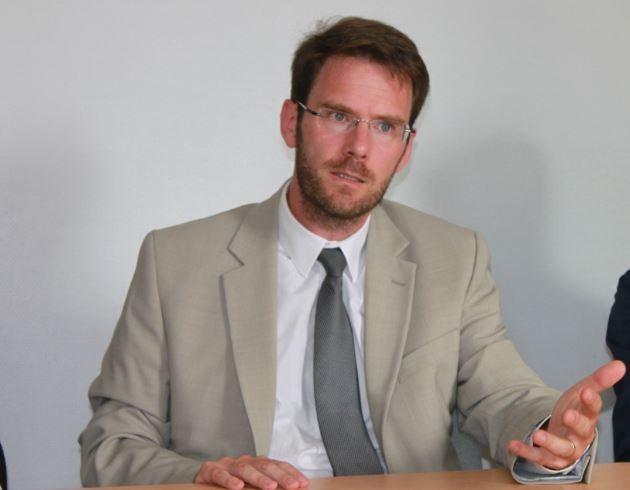 Relation ETAT/REGION: Celui qui négociait des coquilles vides avec VALLS critique MORIN trop normand pour Edouard PHILIPPE