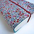 Couverture de livre en tissu en liberty emilia / intérieur en velours
