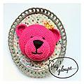 ours rose pour Isabelle Kessedjian, reine des serial crocheteuses