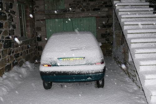 2008 12 30 Ma voiture sous la neige