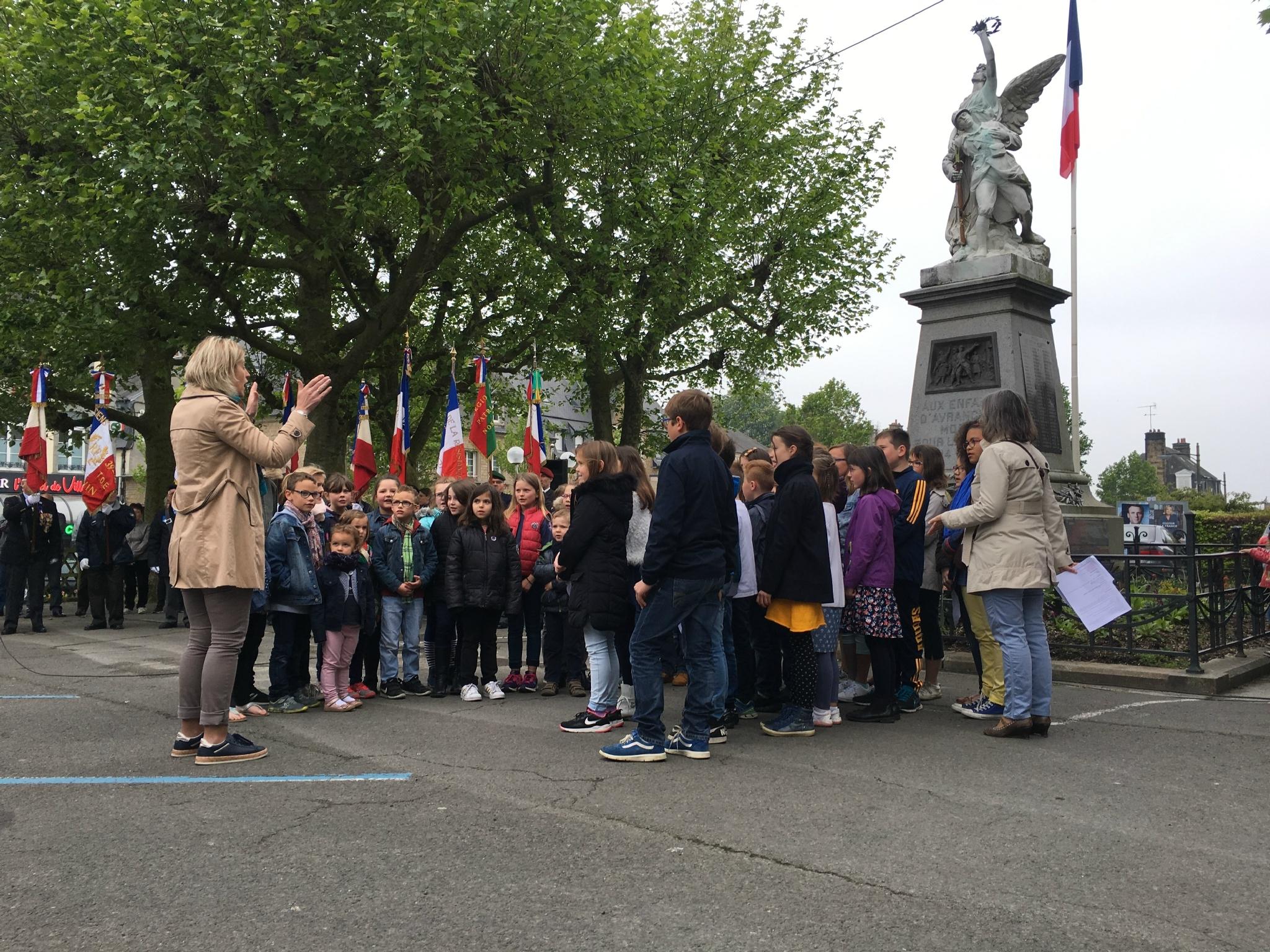 72ème anniversaire de la Victoire du 8 mai 1945 à Avranches | lundi 8 mai 2017 | les vidéos et photos de la cérémonie