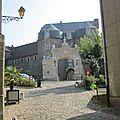 rue Bernet qui conduit au Chateau