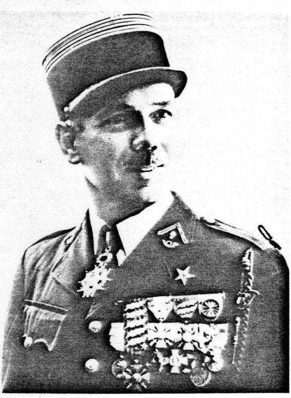 Le colonel ETCHEVERRY, chef de Corps de 1962 à 1964