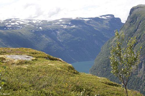 0050geiranger_walking_fjord4