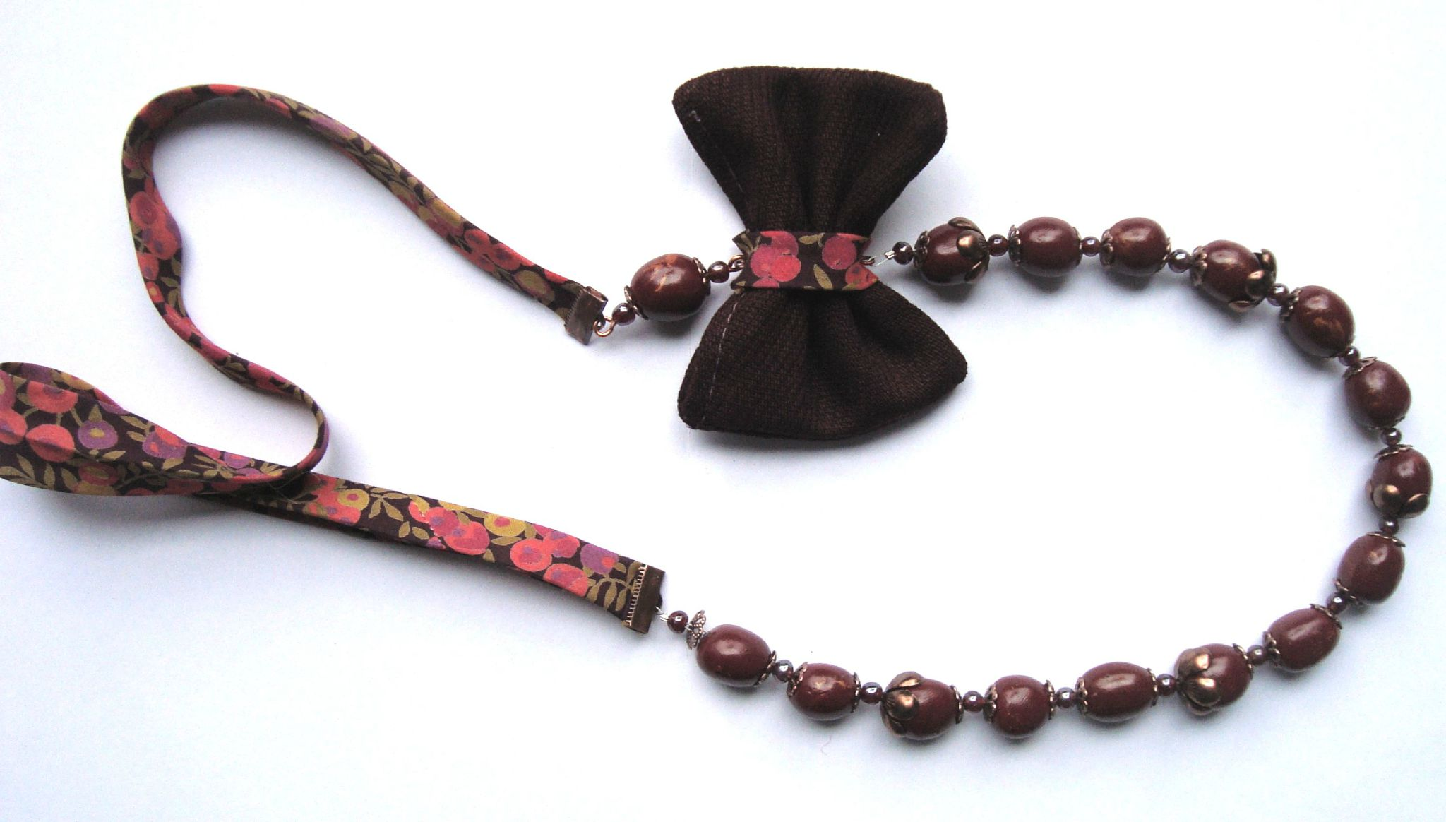 collier papillon mauve