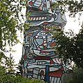 Issy-les-Moulineaux, île Saint-Germain, sculpture Jean Dubuffet (92)