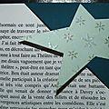 Une <b>étoile</b> ... des flocons <b>pailletés</b> ... un marque-page en coin hivernal !
