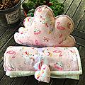 Couverture enfant et son <b>coussin</b> nuage ornés de licornes