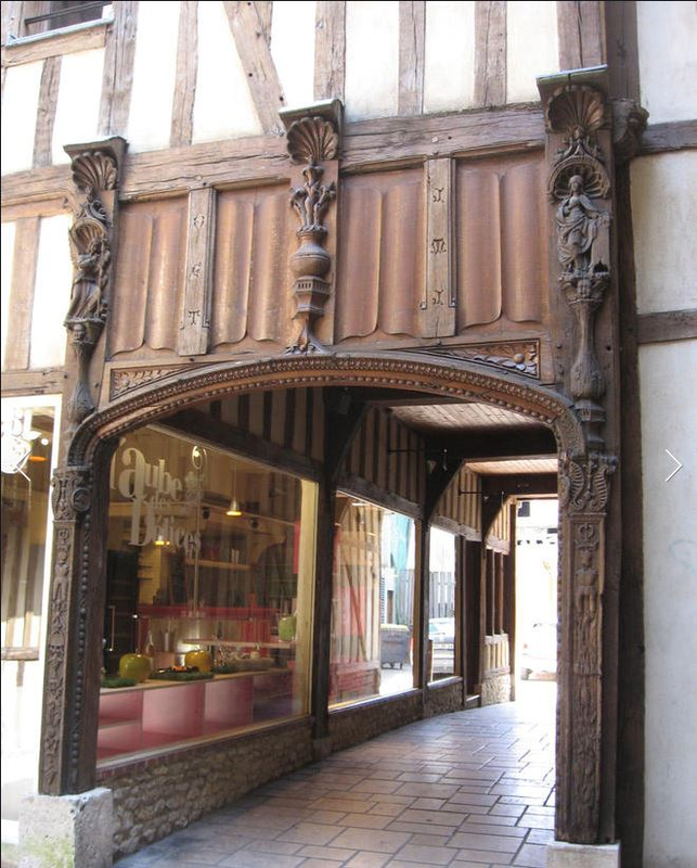 Troyes_cour du mortier d'or_2