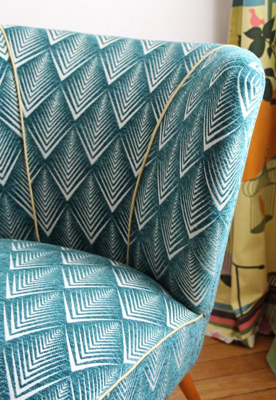 fauteuil-cocktail-restaure-velours-emeraude-detail-bis