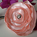 Organza and satin flower brooches / broches fleurs en organza et satin
