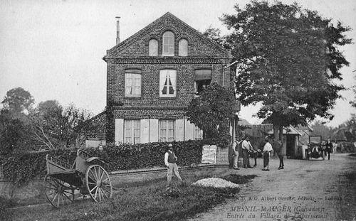 Caparmesnil - entrée du bourg