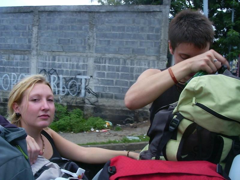 002 Depart de Managua pour l´ile d´Ometepe : dans le pick-up