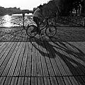 Vélo, ombres, cadenas Pt des Arts_5032