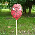 Cake pops spiderman