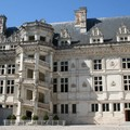 Dans la cour du château de Blois