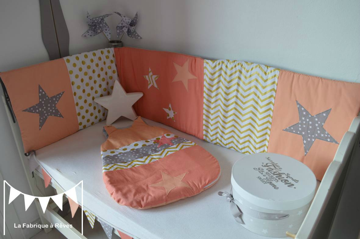 tour lit gigoteuse 0 6 mois b b fille abricot corail dor gris toiles chevron pois photo de. Black Bedroom Furniture Sets. Home Design Ideas