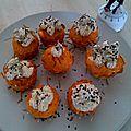 Cupcake salé à la carotte, feta, houmous, graines de sésames noires et blanches