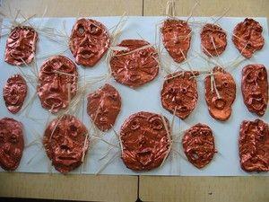 masque africain argile
