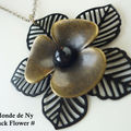 Collier Black Flower