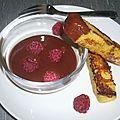 Sauce au chocolat à la cannelle et ses mouillettes de <b>pain</b> <b>perdu</b>