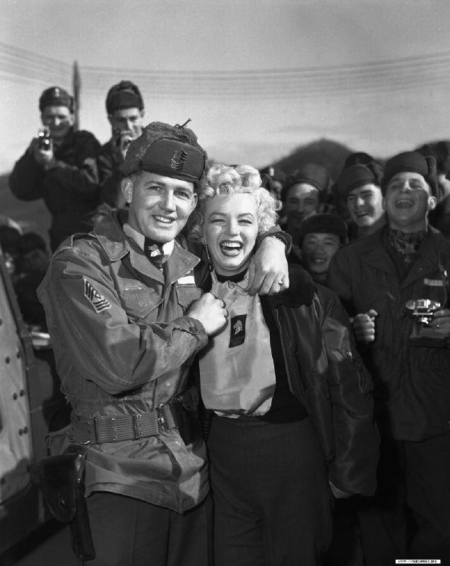 1954-02-17-korea-25th_division-with_sgt_guy_morgan-by_walt_durrell-3