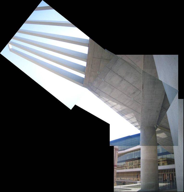 Le Musée de l'Acropole, le parvis